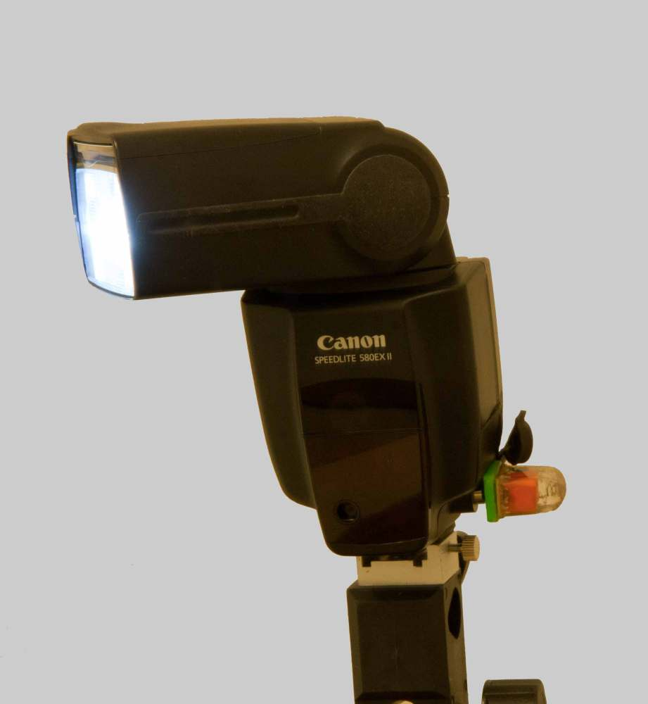 How to Optically Trigger Your Canon 580EXII Flash