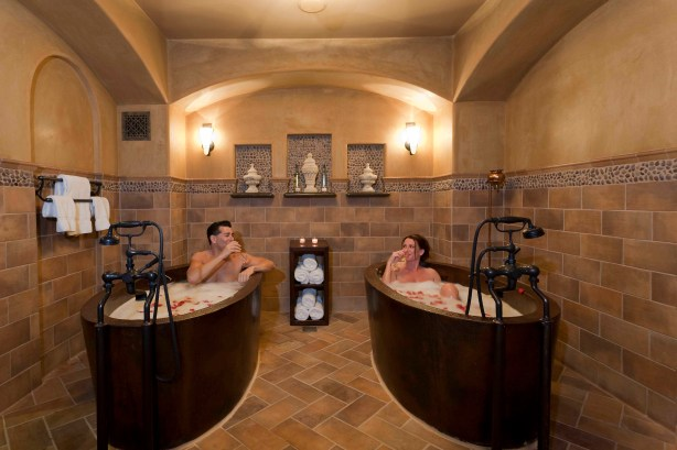 Couple's bath at the Spa at Bella Collina