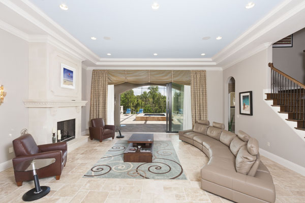 500 Muirfield Living Room