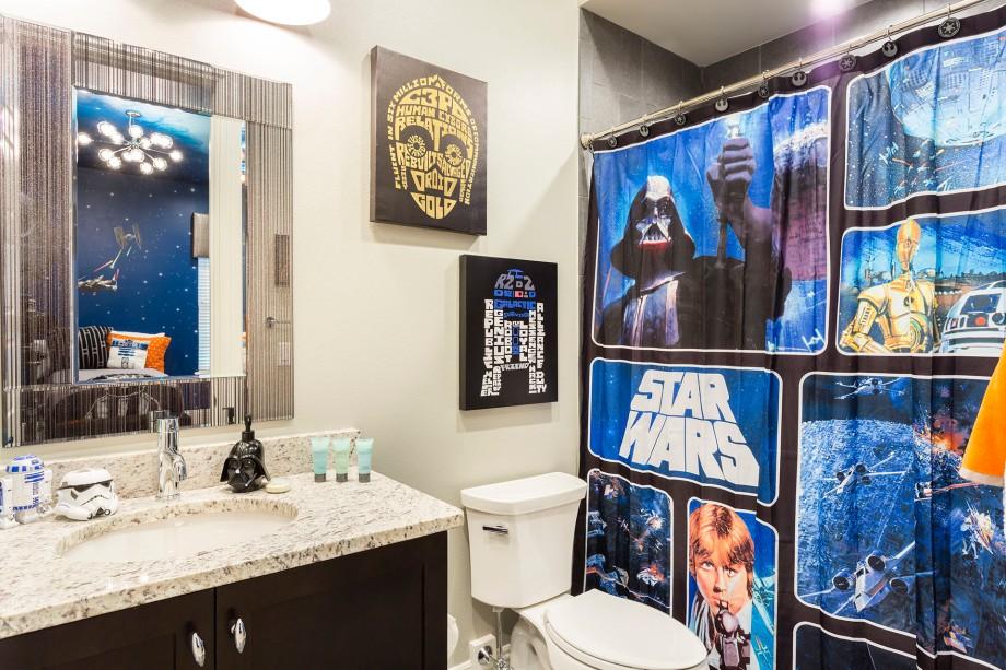 Star Wars Theme Bathtoom